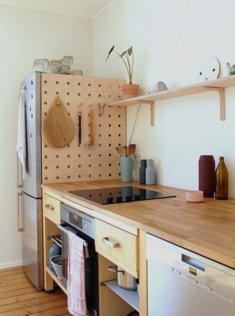 style-focused-ways-to-stay-organized-with-pegboards-599ae5dc655e48517775f437-w620_h800