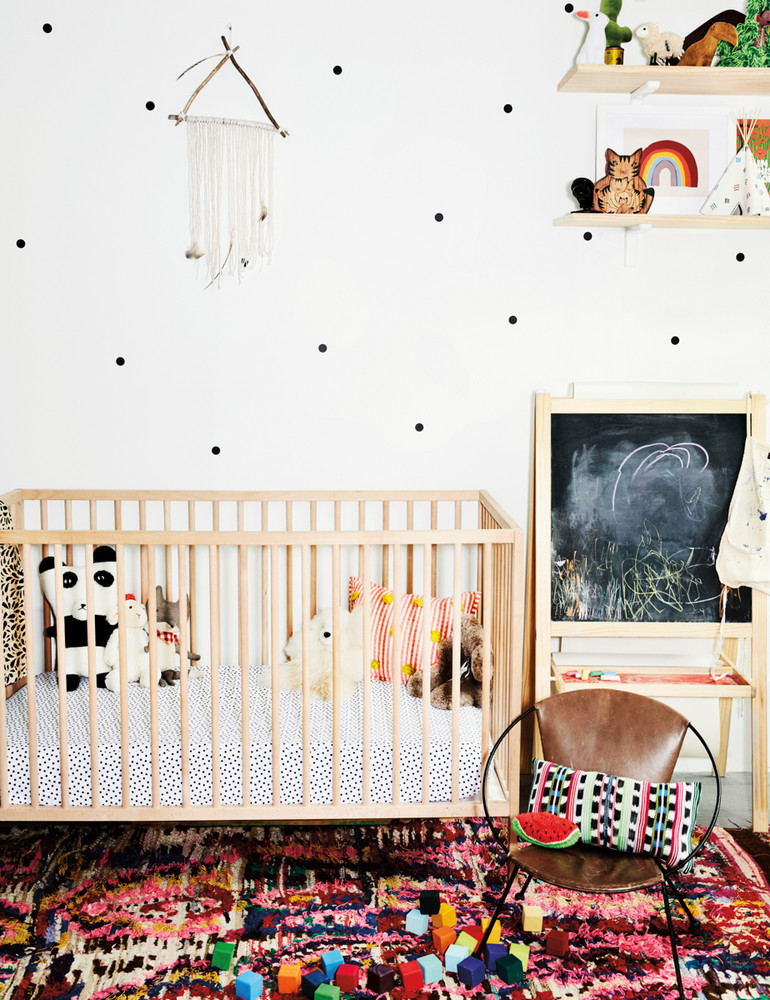 madewell-s-lead-designer-brings-the-cool-girl-look-home-white-nursery-59d2673ed9b1651460d816ba-w1000_h1000
