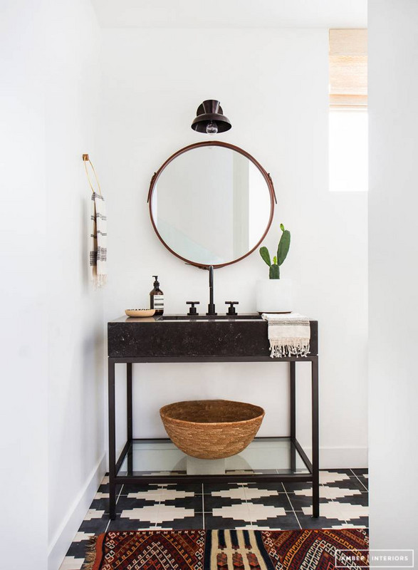before-and-after-bathroom-makeovers-that-give-us-hope-small-bathroom-makeovers-black-and-white-bathroom-570d3b804fe668b21202eed8-w620_h800
