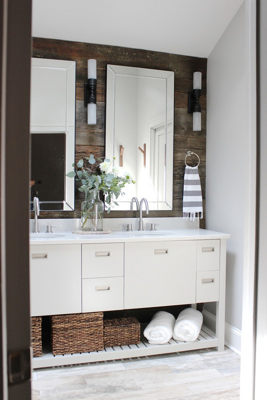 before-and-after-bathroom-makeovers-that-give-us-hope-small-bathroom-makeovers-light-and-modern-58f7c116f2e44d204f7d5b61-w620_h800