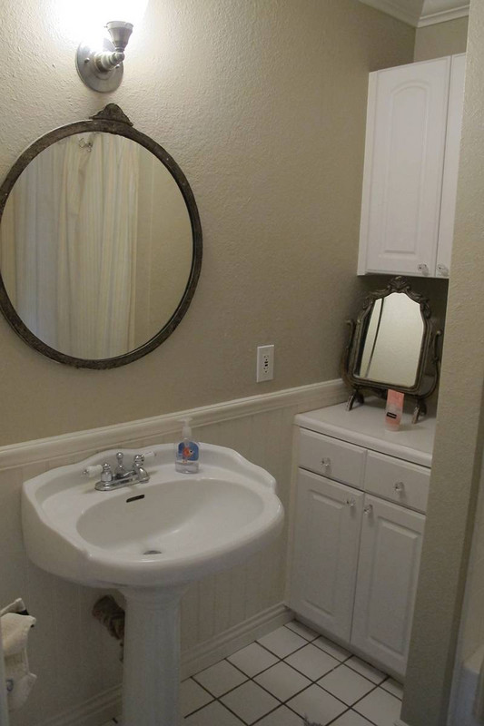 before-and-after-bathroom-makeovers-that-give-us-hope-small-bathroom-makeovers-old-bathroom-570d3c5ba45f30b81220c57d-w620_h800