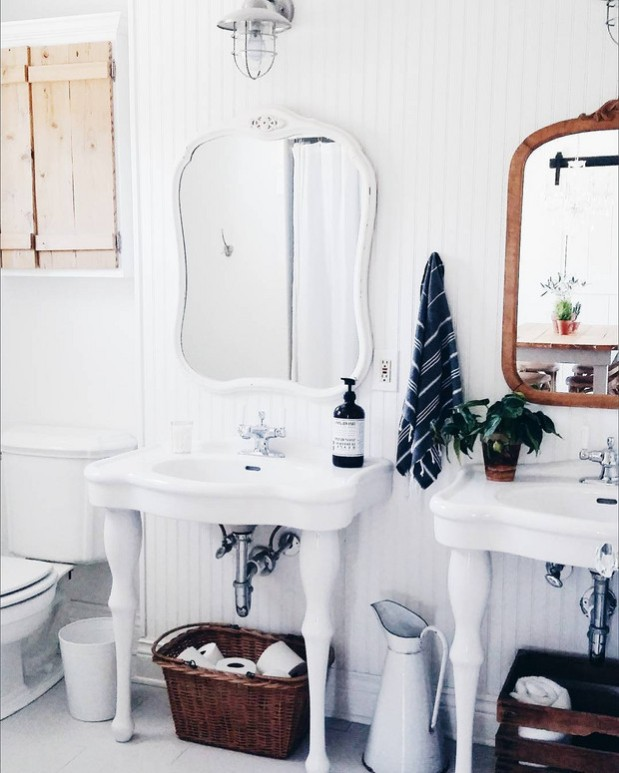 before-and-after-bathroom-makeovers-that-give-us-hope-small-bathroom-makeovers-white-bathroom-570d3aaca45f30b81220c56c-w620_h800