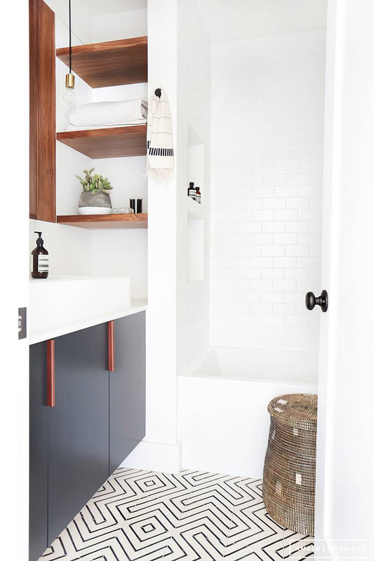 before-and-after-bathroom-makeovers-that-give-us-hope-small-bathroom-makeovers-white-bathroom-570d3c174fe668b21202eeda-w620_h800